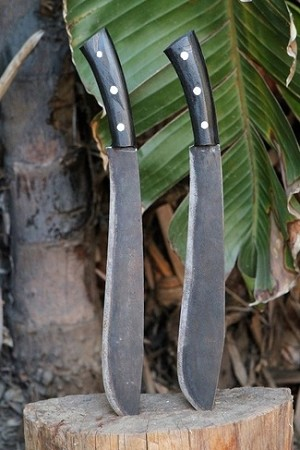 Jungle Survival Bolo A (Knife on left)